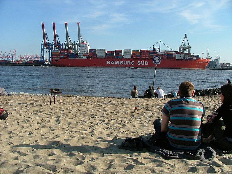 796px-Elbstrand_Hamburg