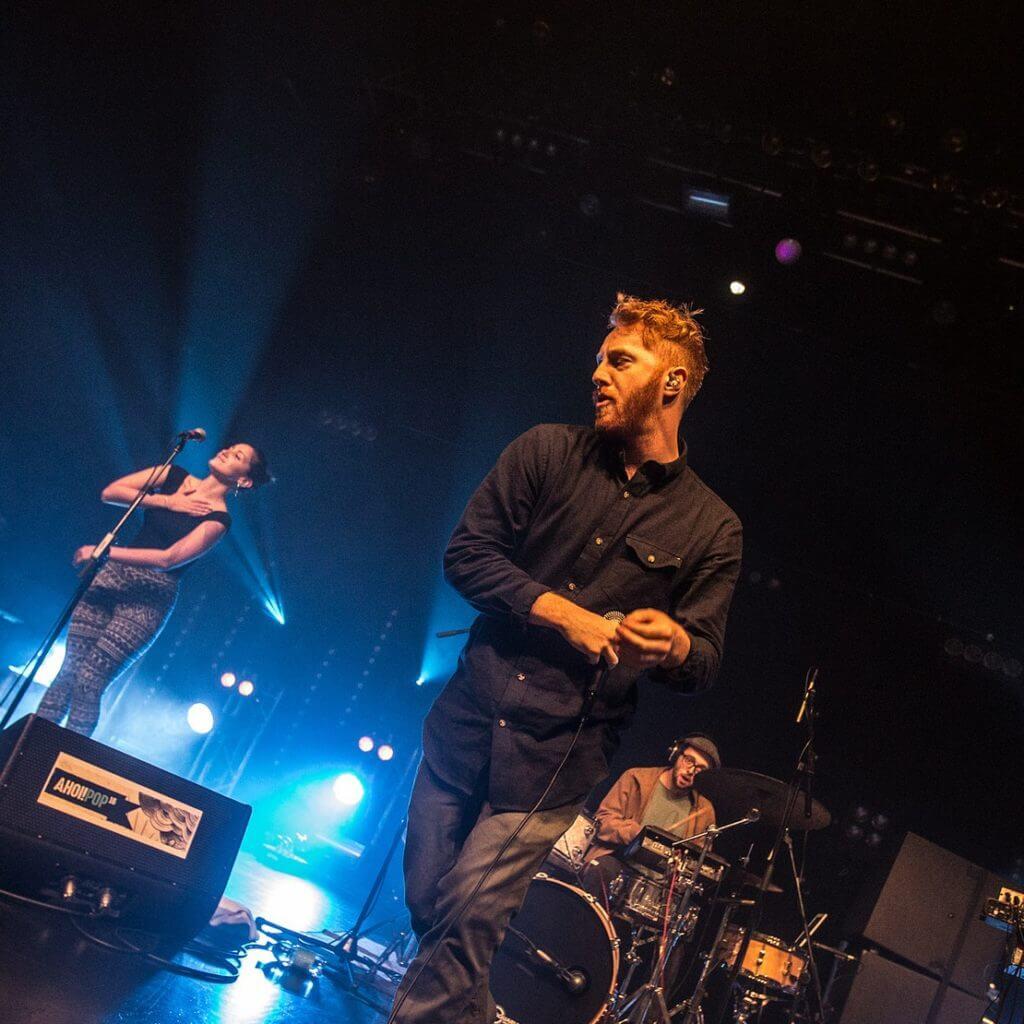 Extrem soulig & total gefühlvoll – das sind ROBB! Sie können Akustik genauso gut wie volle Power. Indie-Pop eben!