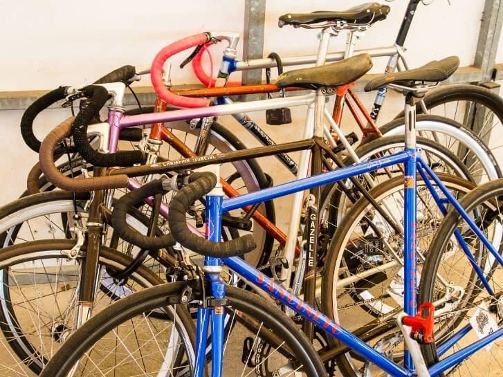 neues bike gef llig beim fahrrad flohmarkt auf der radrennbahn wirst du gewiss f ndig alles. Black Bedroom Furniture Sets. Home Design Ideas