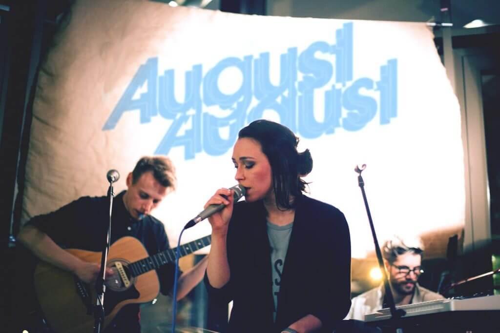 Mittwoch ist ein guter Tag für Livemusik: Das clubkinder Klanglabor heute mit August August & Ingo Stahl!