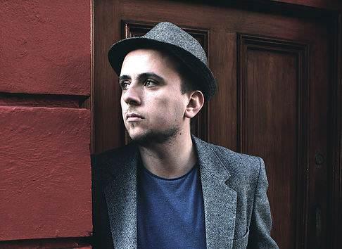 """Singer/Songwriter Luke Clerkin ist bei der Konzertreihe """"Baby,I grew you a beard"""" zu Gast! Sei dabei – für umme!"""