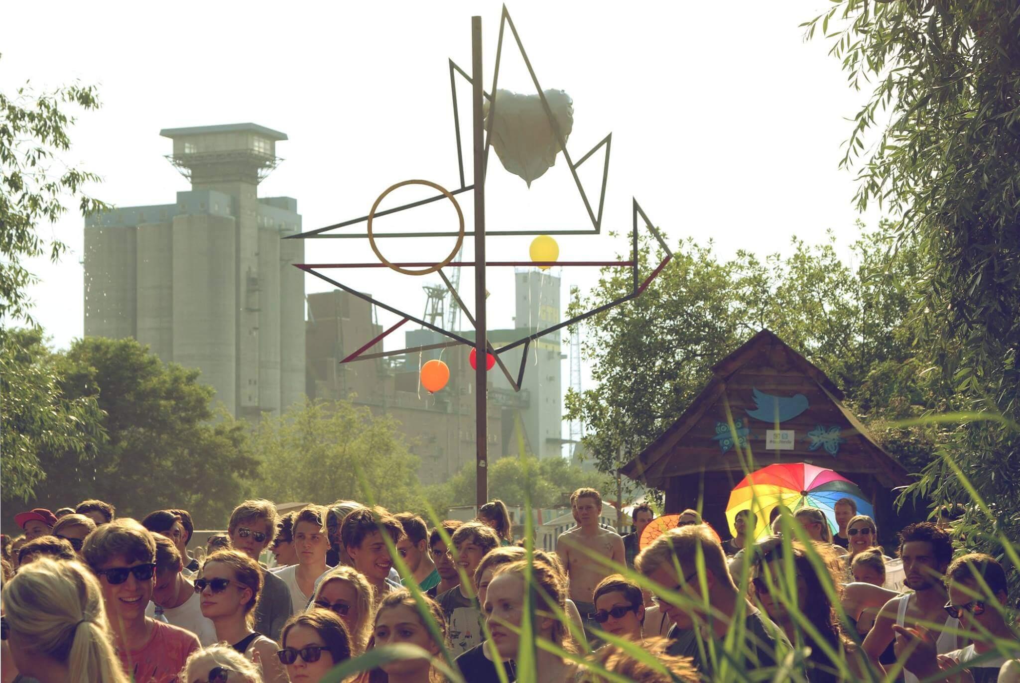 Das Daughterville Festival hat ein feines Line Up an den Start gebracht! Jetzt fehlst nur noch du!