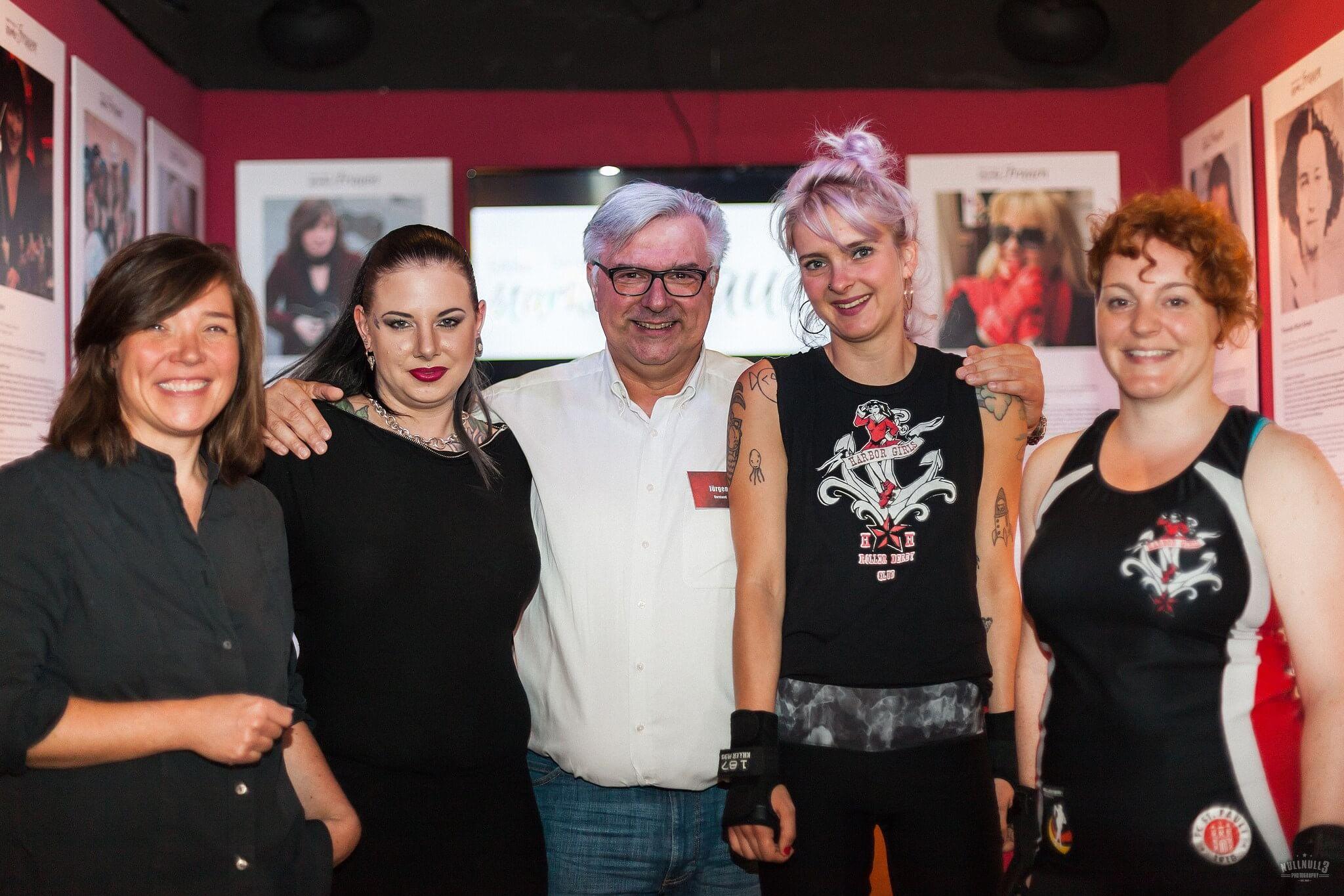 In der Ausstellung St. Paulis starke Frauen ist Frauenpower angesagt! 💪