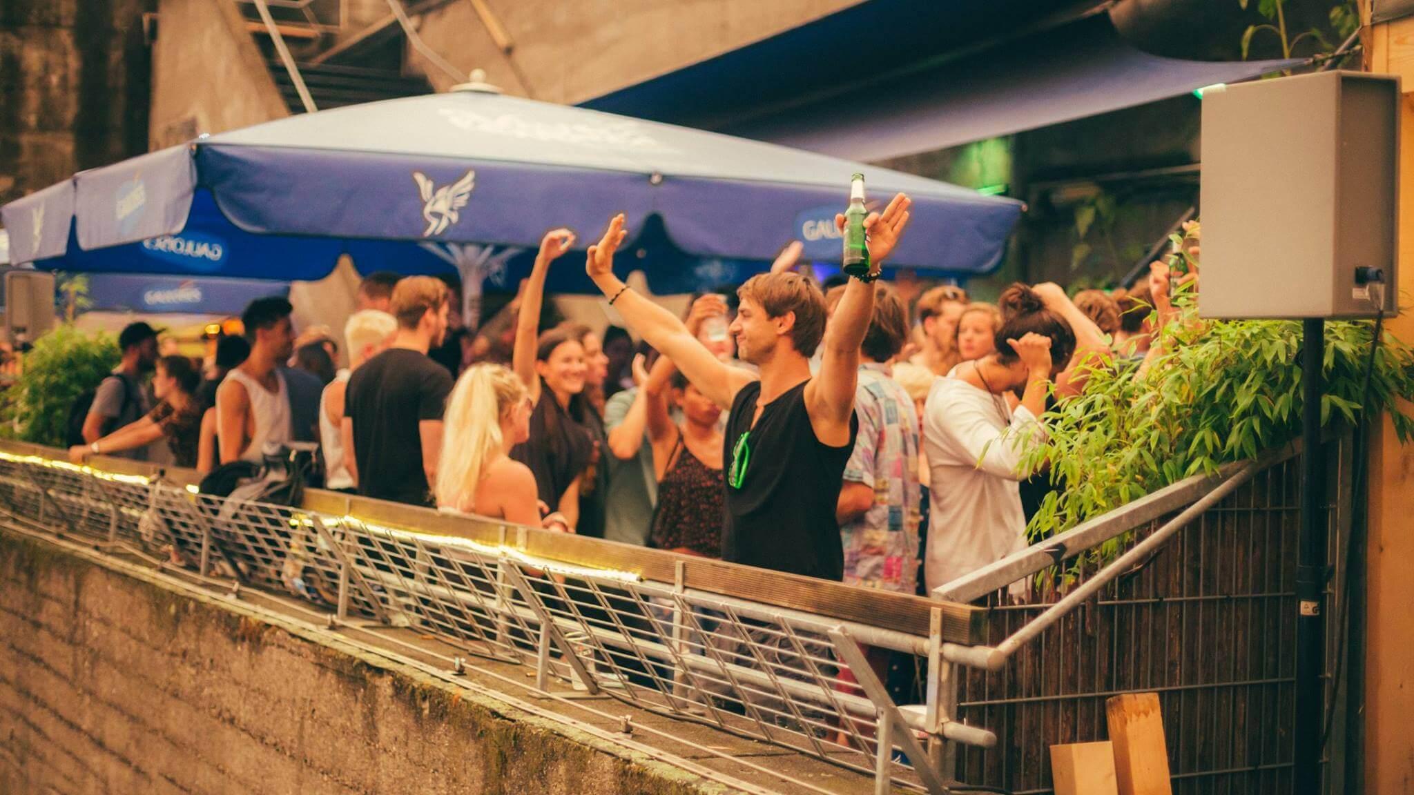 Bunker Rooftop Session #3 Mukke mit bester Aussicht auf ganz Hamburg: Komm, lass uns tanzen!
