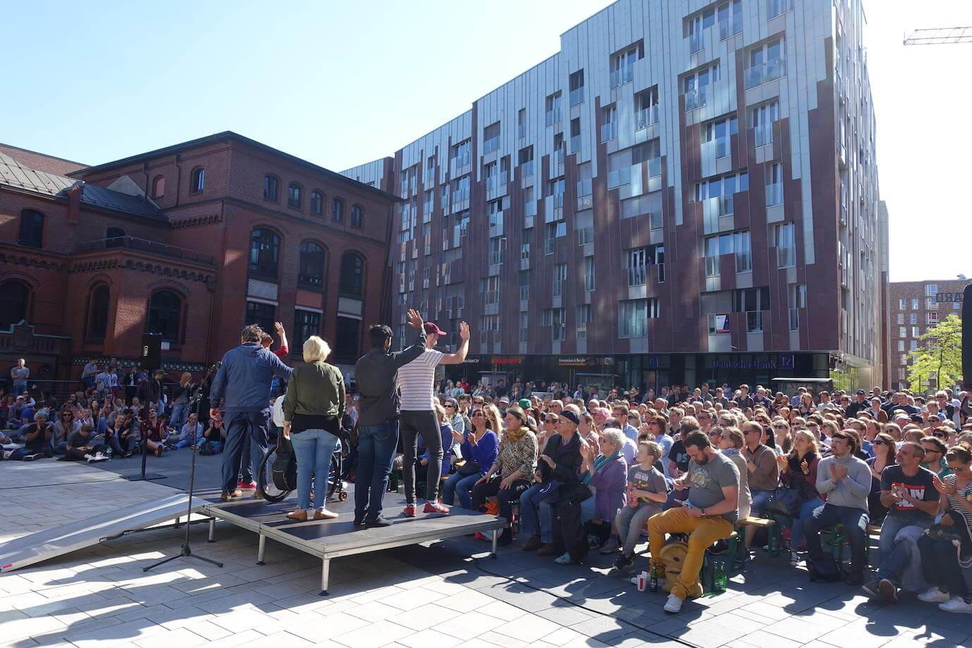 stand up comedy mal in anderer umgebung komm in die hafencity heute in hamburg. Black Bedroom Furniture Sets. Home Design Ideas