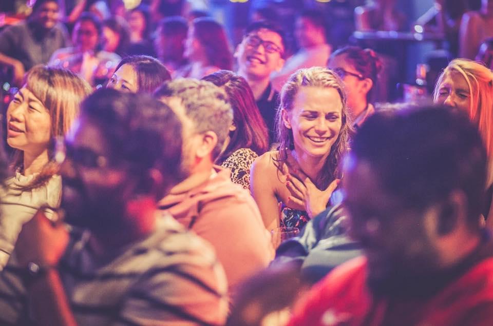 Das Hamburg International Comedy Festival hat lustige Comedians am Start, die großzügig Lacher verteilen!