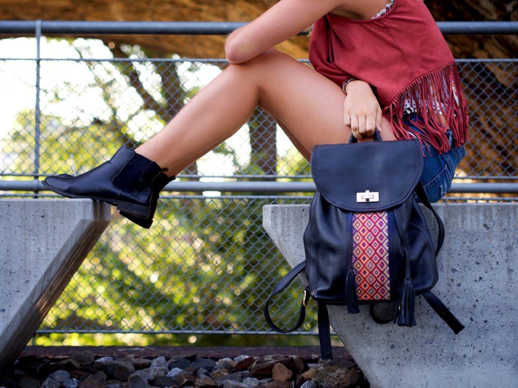 Modejunkies hergehört: Der Fashion District bringt dir Trends, Beauty & Must-Haves!