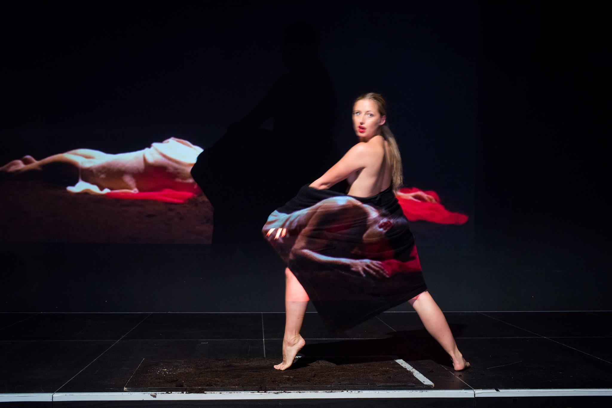 """Flimmern zeigt dir mit """"How to Pina Bausch"""", dass Kino & Tanz gut zusammenpassen!"""
