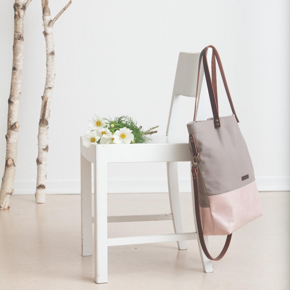 Türchen 7 🎁 Freu dich auf 2×1 handgemachte Tasche plus Mäppchen von funkelwerk!