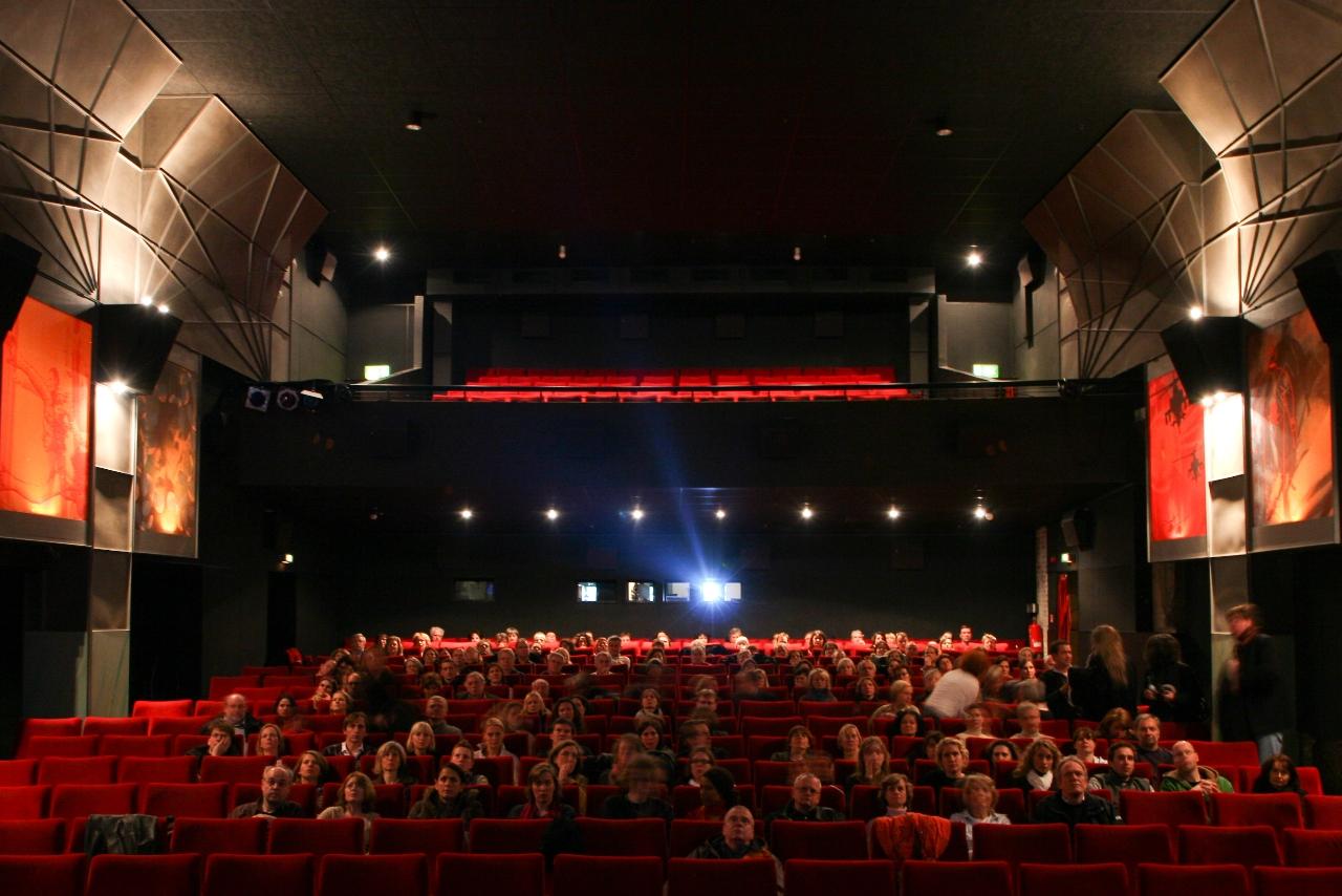 Türchen 4 🎁 Heute gehen 15×2 Freikarten für einen Film deiner Wahl in den zeise kinos raus!