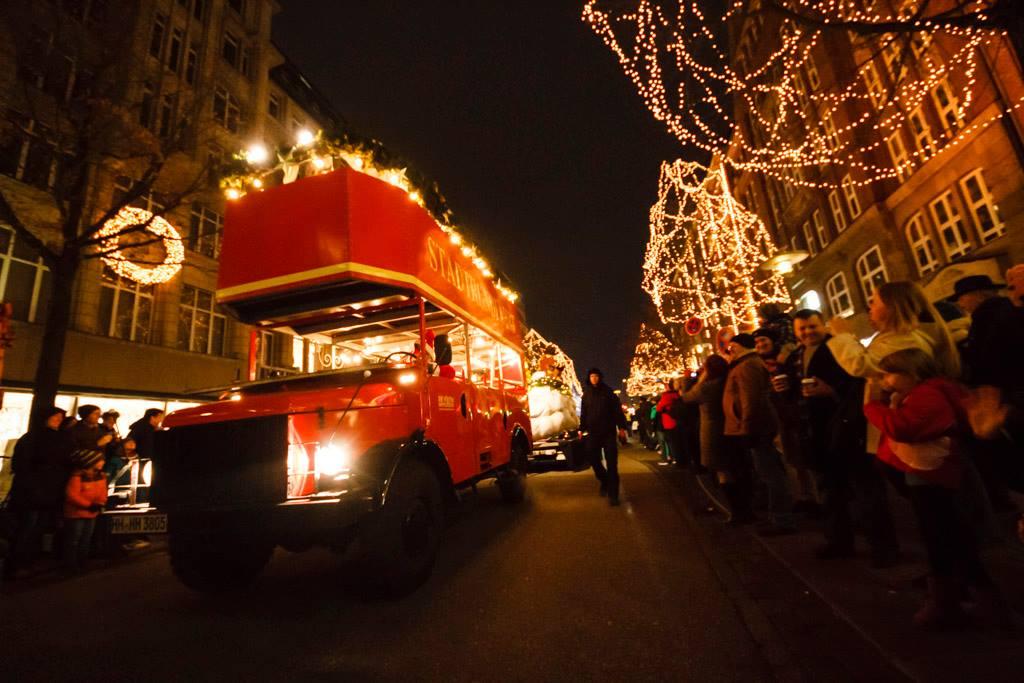 Die Hamburger Weihnachtsparade wird ein festlicher Höhepunkt – um 14 Uhr geht's los!