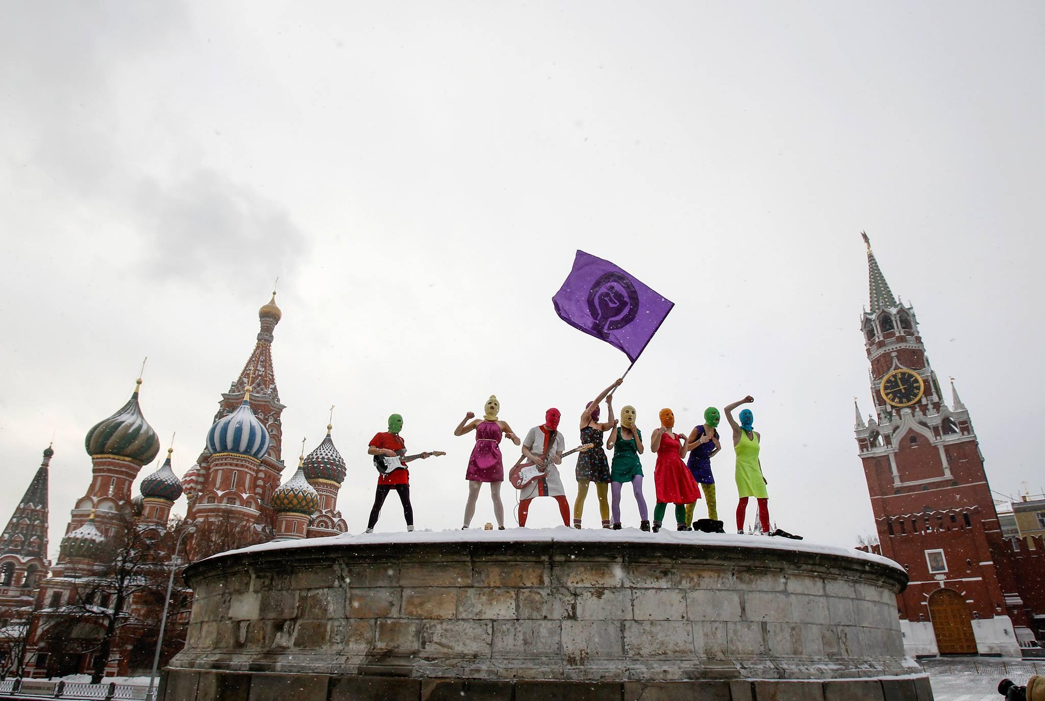 """Das Pussy Riot Theatre """"Riot Days"""" zeigt das russische Protestkunst-Kollektiv!"""