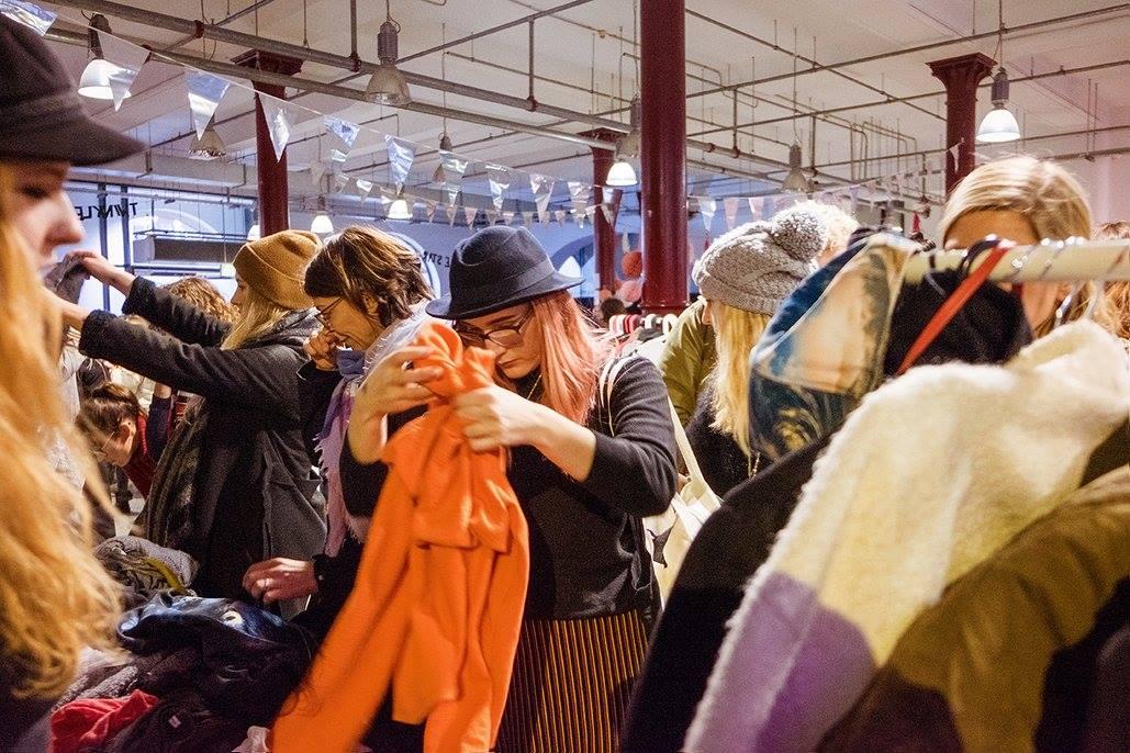 Fashion-Girls aufgepasst: Es wird wieder Zeit für den Mädelsflohmarkt!
