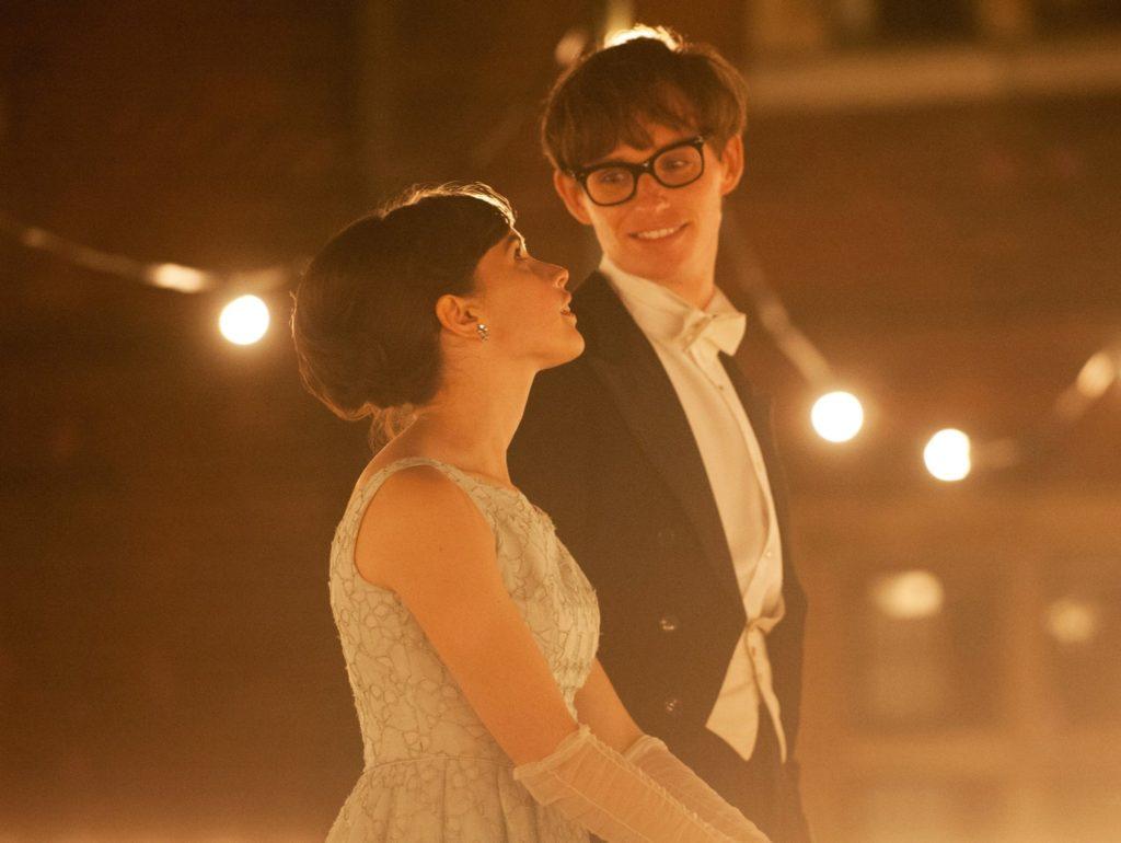"""Zu Ehren des brillianten Stephen Hawking läuft """"Die Entdeckung der Unendlichkeit""""!"""