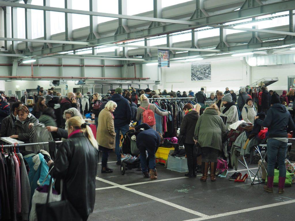 Trödel, Antiquitäten, Kleidung & Kunst gibts beim Flohmarkt in der Rindermarkthalle!