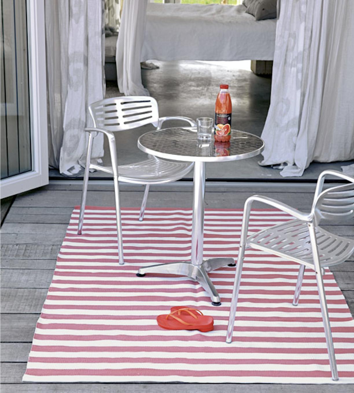 Endlich Frühling! Du möchtest deinen Balkon aufpeppen? Dann hin zu liv interior.