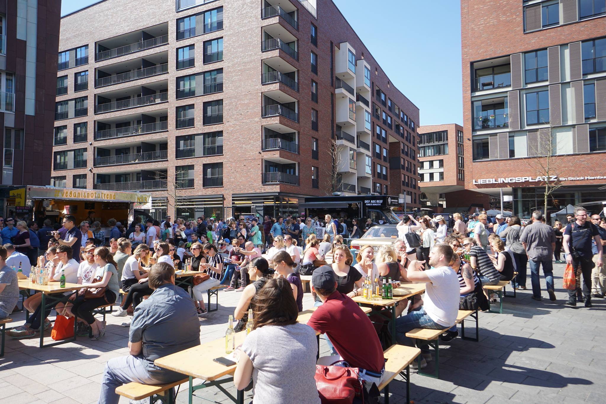 foodtrucks handgemachtes gibts beim hafengeburtstag in der hafencity heute in hamburg. Black Bedroom Furniture Sets. Home Design Ideas